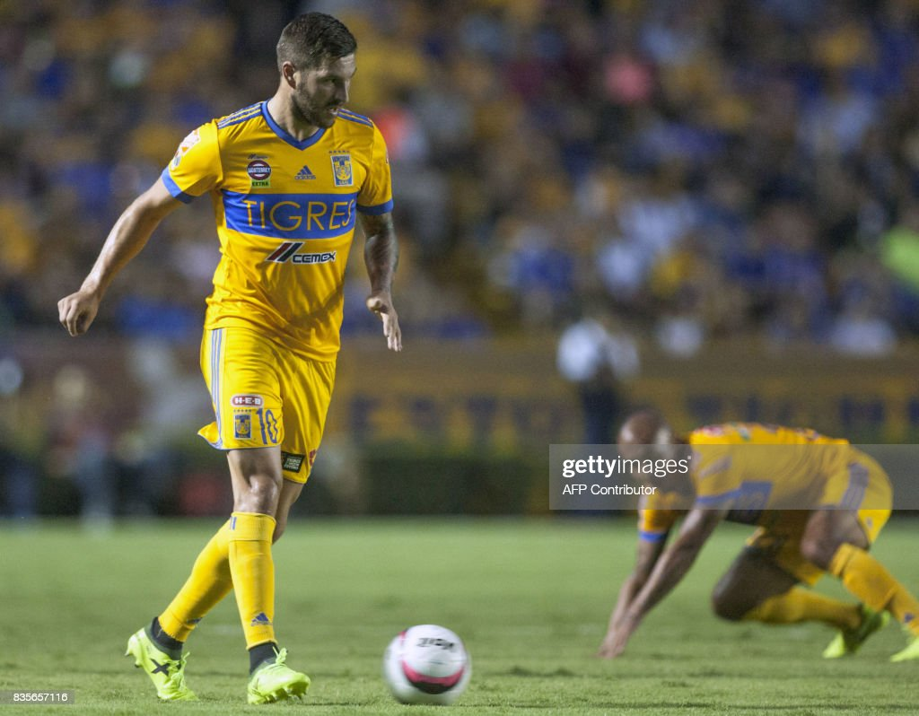 Andre-Pierre Gignac of Tigres controls the ball during their Mexican Apertura 2017 tournament football match against Pumas at the Universitario stadium in Monterrey, Mexico on August 19, 2017. / AFP PHOTO / Julio Cesar AGUILAR