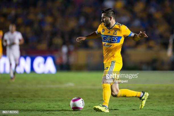 AndrePierre Gignac of Tigres drives the ball during the 14th round match between Tigres UANL and Toluca as part of the Torneo Apertura 2017 Liga MX...