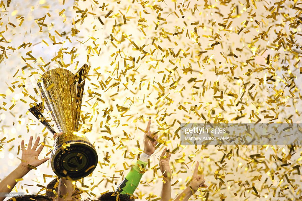 Andres Guardado #18 of Mexico lifts The CONCACAF Gold Cup Trophy after the 2015 CONCACAF Gold Cup Final match between Jamaica and Mexico at Lincoln Financial Field on July 26, 2015 in Philadelphia,Pennsylvania.