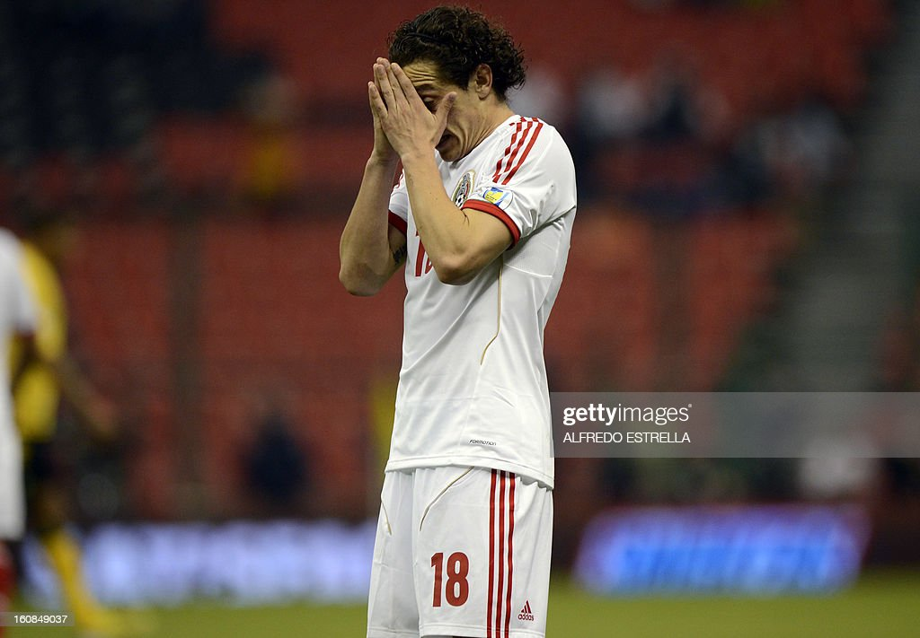 Andres Guardado of Mexico reacts after failed his shot against Jamaica during their Brazil-2014 FIFA World Cup CONCACAF football qualifier at Azteca Stadium in Mexico City, on February 6, 2013. AFP PHOTO/Alfredo Estrella