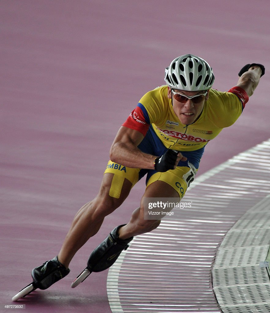 <a gi-track='captionPersonalityLinkClicked' href=/galleries/search?phrase=Andres+Jimenez&family=editorial&specificpeople=5498155 ng-click='$event.stopPropagation()'>Andres Jimenez</a> of Colombia competes in 300 meters Senior Men's event as part of the Kaohsiung 2015 Speed Skating World Championships at Kaohsiung Roller Skating Arena on November 15, 2015 in Kaohsiung, Taipei.