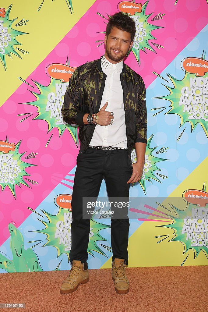 Andres Mercado arrives at Kids Choice Awards Mexico 2013 at Pepsi Center WTC on August 31, 2013 in Mexico City, Mexico.