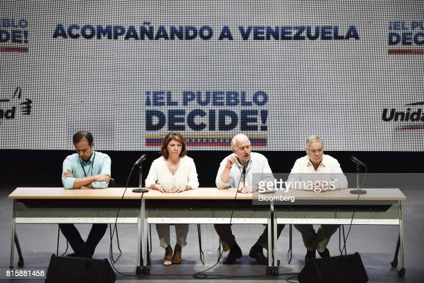 Andres Pastrana former president of Colombia second right speaks as Jorge Quiroga former president of Bolivia from left Laura Chinchilla former...