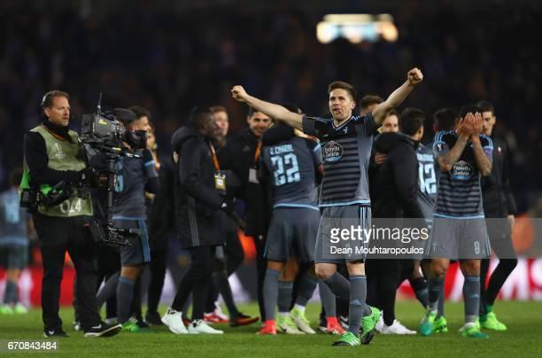 Andreu Fontas of Celta Vigo celebrates with team mates after the UEFA Europa League quarter final second leg between KRC Genk and Celta Vigo at...