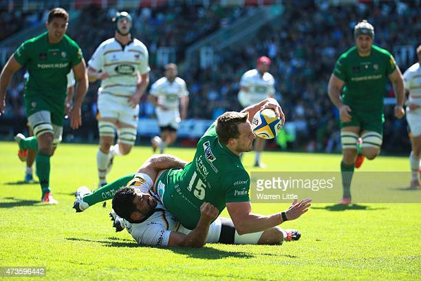 Andrew Fenby of London Irish scores a try during the Aviva Premiership match between London Irish and London Wasps at Madejski Stadium on May 16 2015...