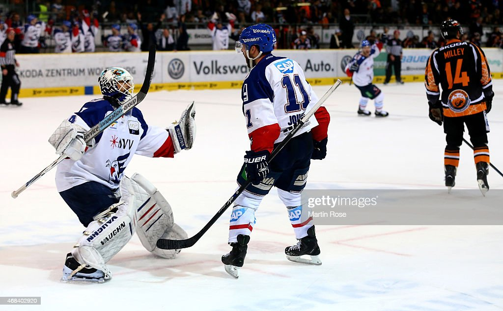 Grizzly Adams Wolfsburg v Adler Mannheim  - DEL Play-offs Semi Final Game 4