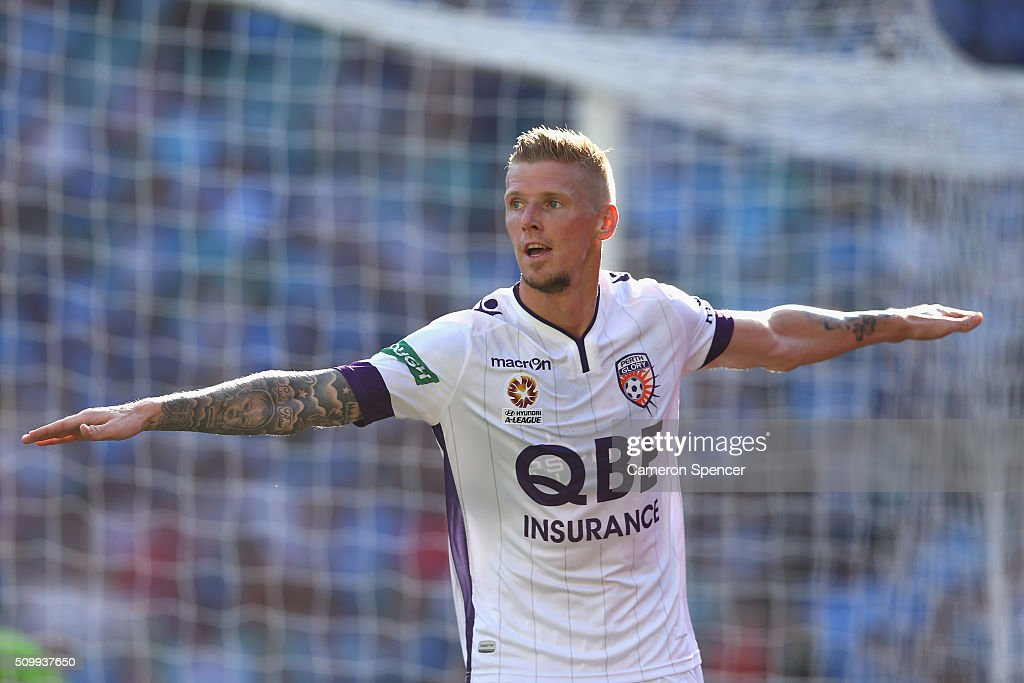 Andrew Keogh of the Glory celebrates scoring a goal during the round 19 A-League match between Sydney FC and the Perth Glory at Allianz Stadium on February 13, 2016 in Sydney, Australia.