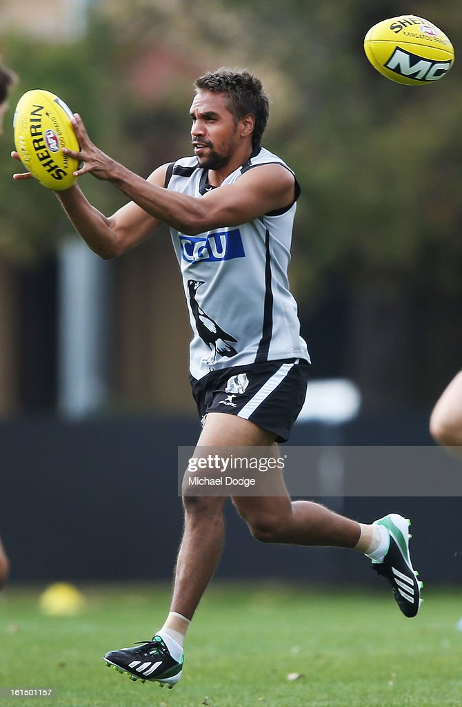 <a gi-track='captionPersonalityLinkClicked' href=/galleries/search?phrase=Andrew+Krakouer&family=editorial&specificpeople=226753 ng-click='$event.stopPropagation()'>Andrew Krakouer</a> marks the ball during a Collingwood Magpies AFL session at Westpac Centre on February 12, 2013 in Melbourne, Australia.