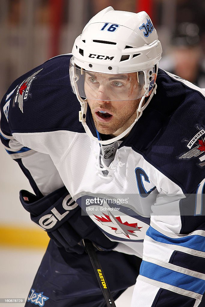 Andrew Ladd #16 of the Winnipeg Jets gets set to face off against the Florida Panthers at the BB&T Center on January 31, 2013 in Sunrise, Florida.