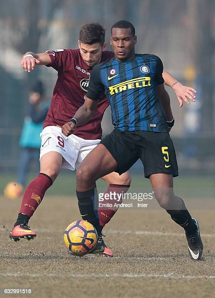 Andrew Rayan Gravillon of FC Internazionale Milano challenges for the ball during the Primavera Tim juvenile match between FC Internazionale and US...