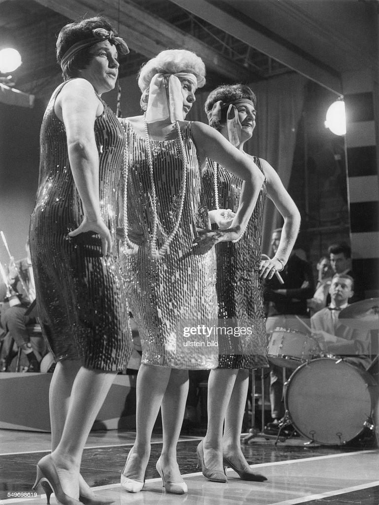Andrew Sisters, Singing Group, USA - on stage; from left: Laverne, Patty, Maxene