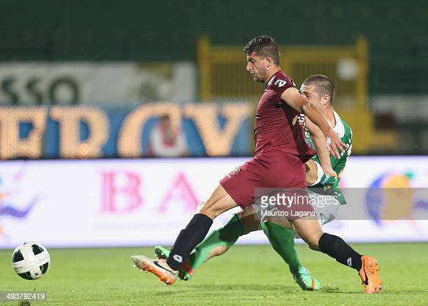 Andrey Galabinov of Avellino scores his team's second goal during the Serie B match between US Avellino and Reggina Calcio at Stadio Partenio on May...