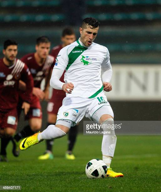 Andrey Galabinov of Avellino scores their first goal with a penalty during the Serie B match between Reggina Calcio and US Avellino at Stadio Oreste...
