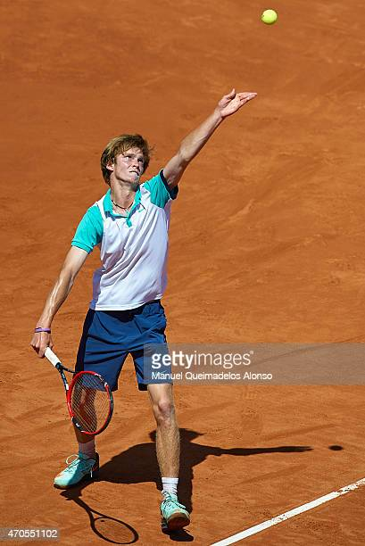 Andrey Rublev of Russia serves to Fernando Verdasco of Spain during day two of the Barcelona Open Bac Sabadell at the Real Club de Tenis Barcelona on...
