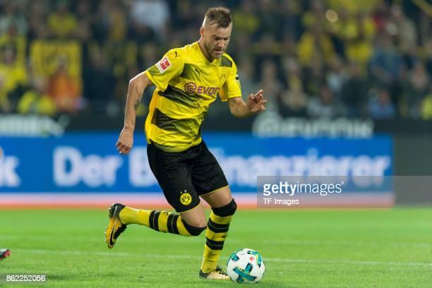 Andrey Yarmolenko of Dortmund controls the ball during the Bundesliga match between Borussia Dortmund and RB Leipzig at Signal Iduna Park on October...