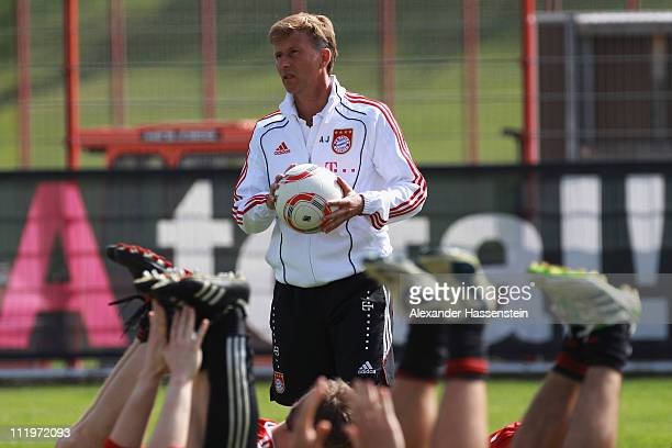 Andries Jonker head coach of Bayern Muenchen looks on during the Bayern Muenchen training session at Bayern's training ground 'Saebener Strasse' on...