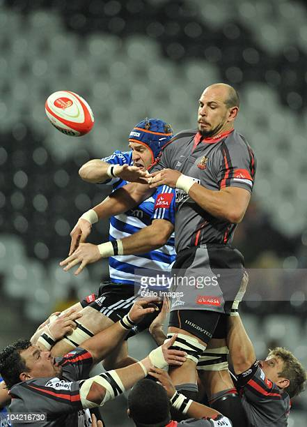 Andries Kruger of the Pumas wins the lineout from Anton van Zyl of Western Province during the Absa Currie Cup match between Pumas and Vodacom...