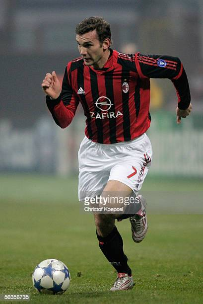 Andriy Shevchenko of Milan runs with the ball during the UEFA Champions League Group E match between AC Milan and Schalke 04 at the Giuseppe Meazza...