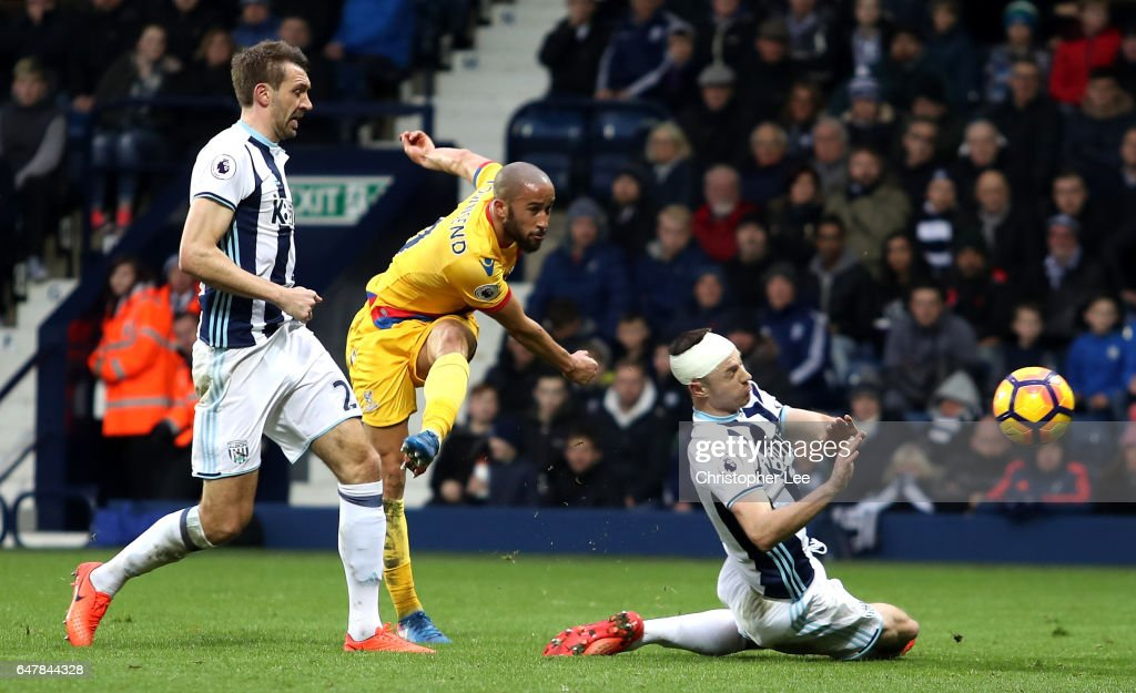 Andros Townsend of Crystal Palace (C) scores his sides second goal during the Premier League match between West Bromwich Albion and Crystal Palace at The Hawthorns on March 4, 2017 in West Bromwich, England.