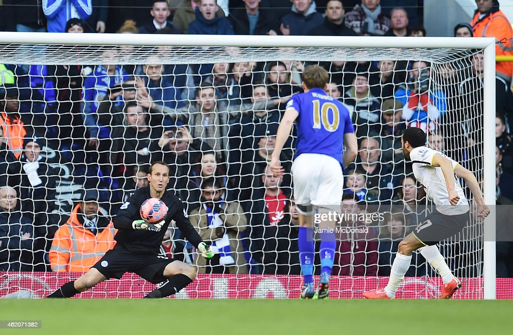Andros Townsend of Spurs scoresthe opening goal from the penalty spot past goalkeeper Mark Schwarzer of Leicester City during the FA Cup Fourth Round match between Tottenham Hotspur and Leicester City at White Hart Lane on January 24, 2015 in London, England.