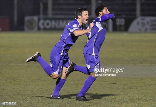 Andrés Nicolás Olivera of Defensor Sporting celebrates after scoring his team's second goal during a second leg match between Defensor Sporting and...