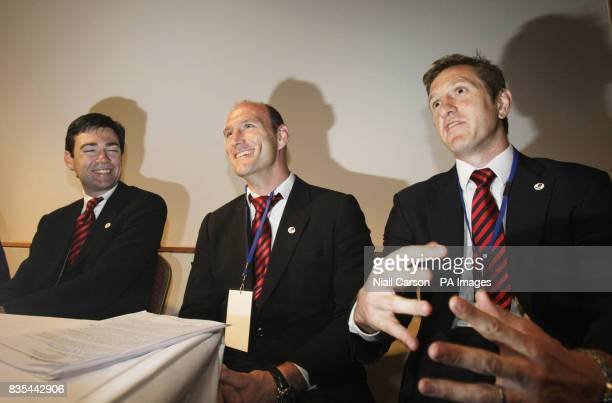 Andy Burnham Lawrence Dallaglio and Will Greenwood speak to the media during the Rugby Union World Cup 2015/2019 Tender Presentation at the Royal...