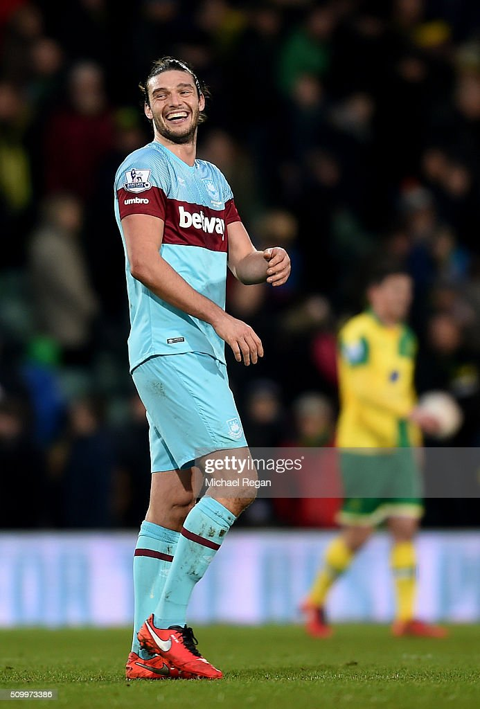 <a gi-track='captionPersonalityLinkClicked' href=/galleries/search?phrase=Andy+Carroll+-+Futbolista&family=editorial&specificpeople=1449090 ng-click='$event.stopPropagation()'>Andy Carroll</a> of West Ham United reacts after the Barclays Premier League match between Norwich City and West Ham United at Carrow Road on February 13, 2016 in Norwich, England.