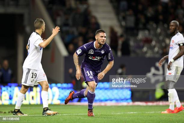 Andy Delort of Toulouse celebrates scoring during the Ligue 1 match between Toulouse and Amiens SC at Stadium Municipal on October 14 2017 in Toulouse