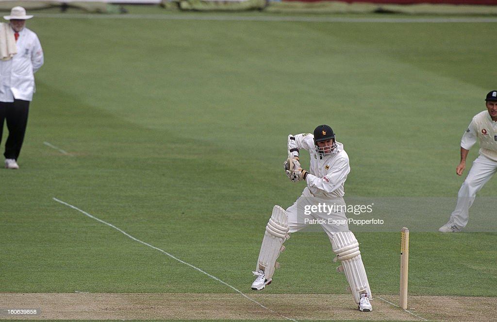 1st Test England v Zimbabwe  Lord's May 2000 : News Photo