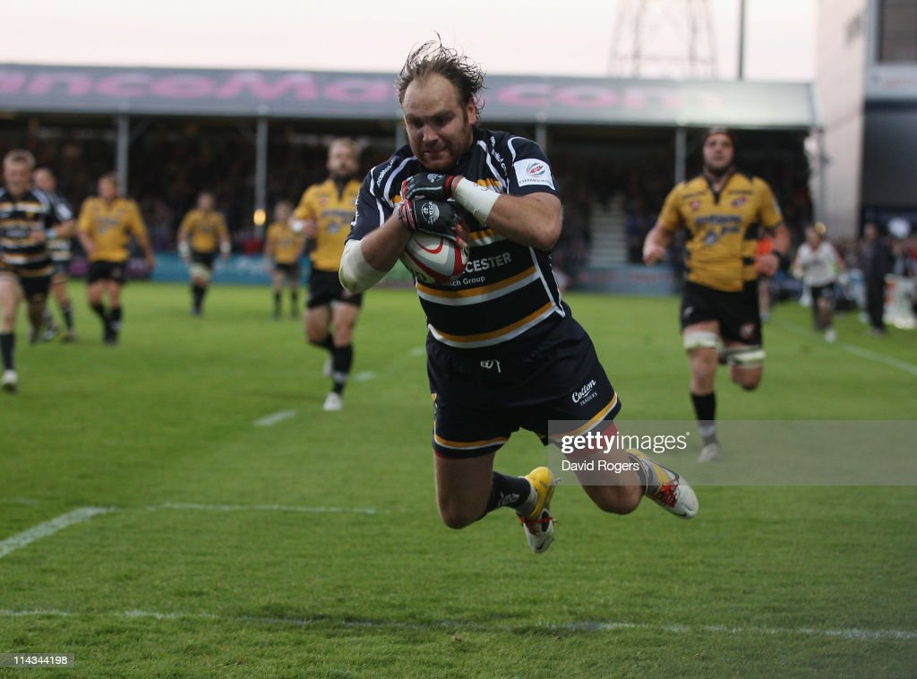 Andy Goode of Worcester dives to score the third try to Worcester during the RFU Championship play off second leg match between Worcester Warriors...