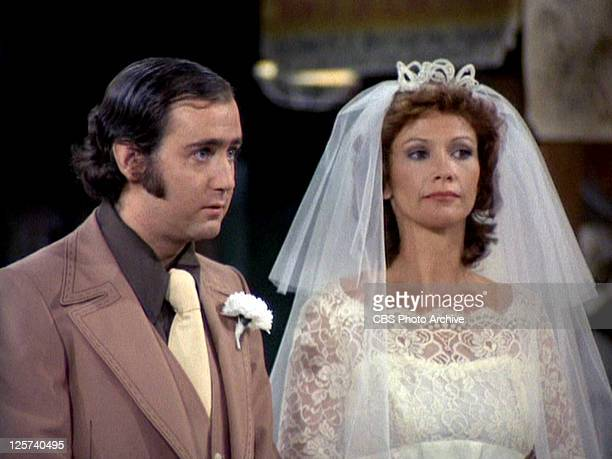 Andy Kaufman as Latka Gravas and Rita Taggart as Vivian Harrow in the TAXI episode 'Paper Marriage' Original airdate October 31 1978 Image is a frame...