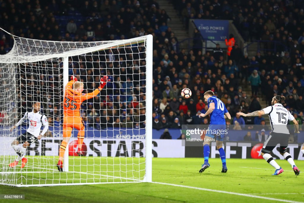 Andy King of Leicester City scores the opening goal during the Emirates FA Cup Fourth Round replay match between Leicester City and Derby City at The King Power Stadium on February 8, 2017 in Leicester, England.
