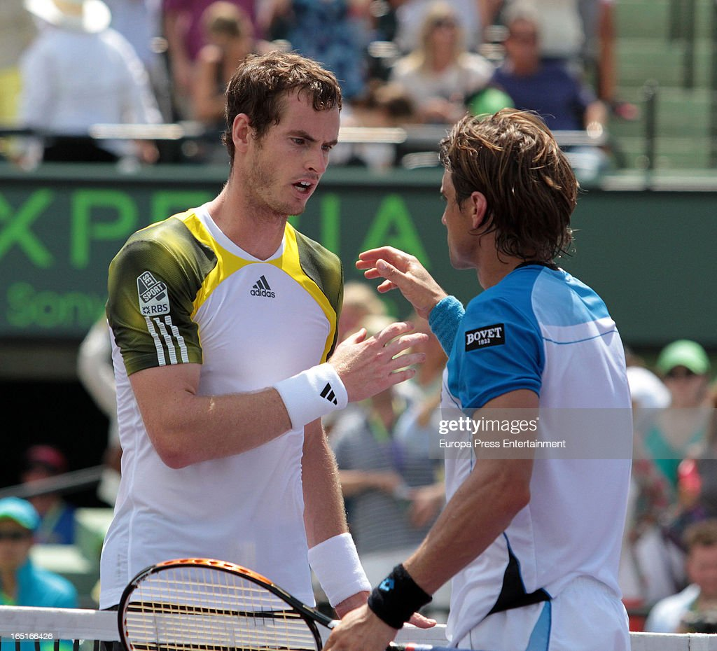 Andy Murray of Great Britain (L) and <a gi-track='captionPersonalityLinkClicked' href=/galleries/search?phrase=David+Ferrer&family=editorial&specificpeople=208197 ng-click='$event.stopPropagation()'>David Ferrer</a> of Spain during their final match at the Sony Open at Crandon Park Tennis Center on March 31, 2013 in Miami, Florida.