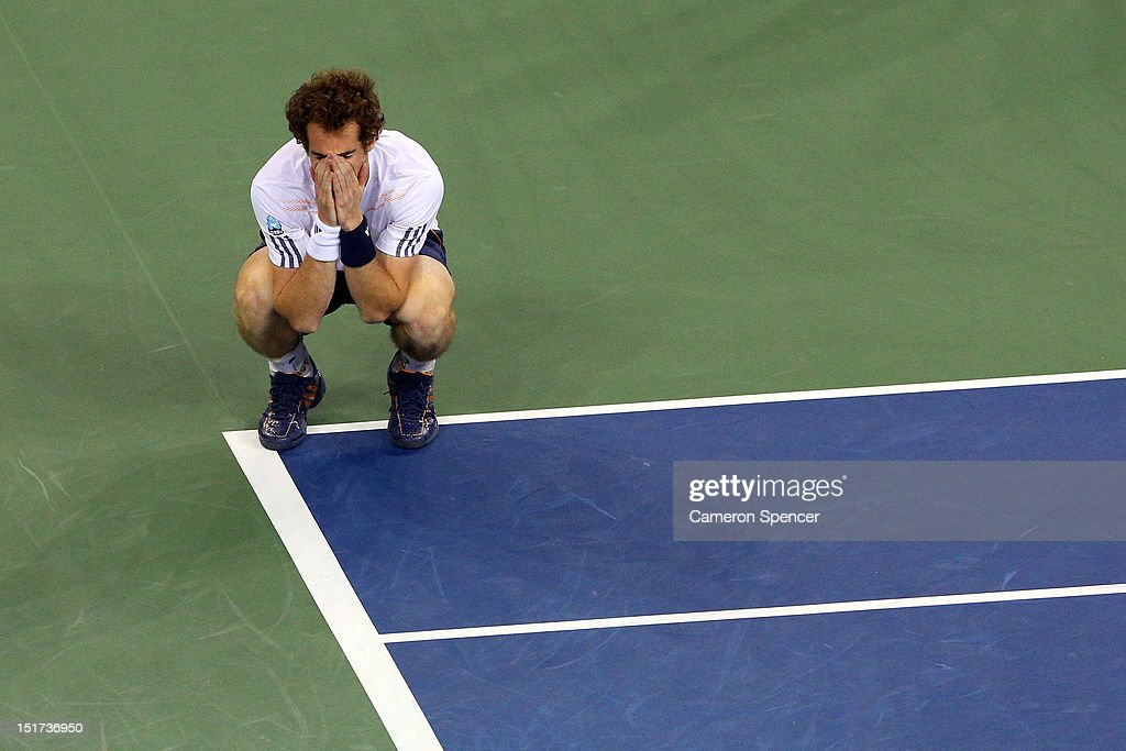 <a gi-track='captionPersonalityLinkClicked' href=/galleries/search?phrase=Andy+Murray+-+Tennisser&family=editorial&specificpeople=200668 ng-click='$event.stopPropagation()'>Andy Murray</a> of Great Britain celebrates after defeating Novak Djokovic of Serbia in the men's singles final match on Day Fifteen of the 2012 US Open at USTA Billie Jean King National Tennis Center on September 10, 2012 in the Flushing neighborhood of the Queens borough of New York City. Murray defeated Djokovic 7-6, 7-5, 2-6, 3-6, 6-2.