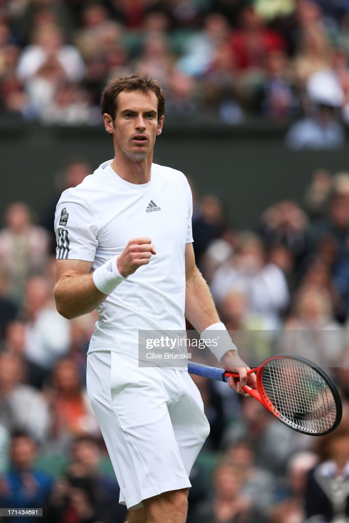 <a gi-track='captionPersonalityLinkClicked' href=/galleries/search?phrase=Andy+Murray+-+Jogador+de+t%C3%A9nis&family=editorial&specificpeople=200668 ng-click='$event.stopPropagation()'>Andy Murray</a> of Great Britain celebrates match point during his Gentlemen's Singles first round match against Benjamin Becker of Germany on day one of the Wimbledon Lawn Tennis Championships at the All England Lawn Tennis and Croquet Club on June 24, 2013 in London, England.