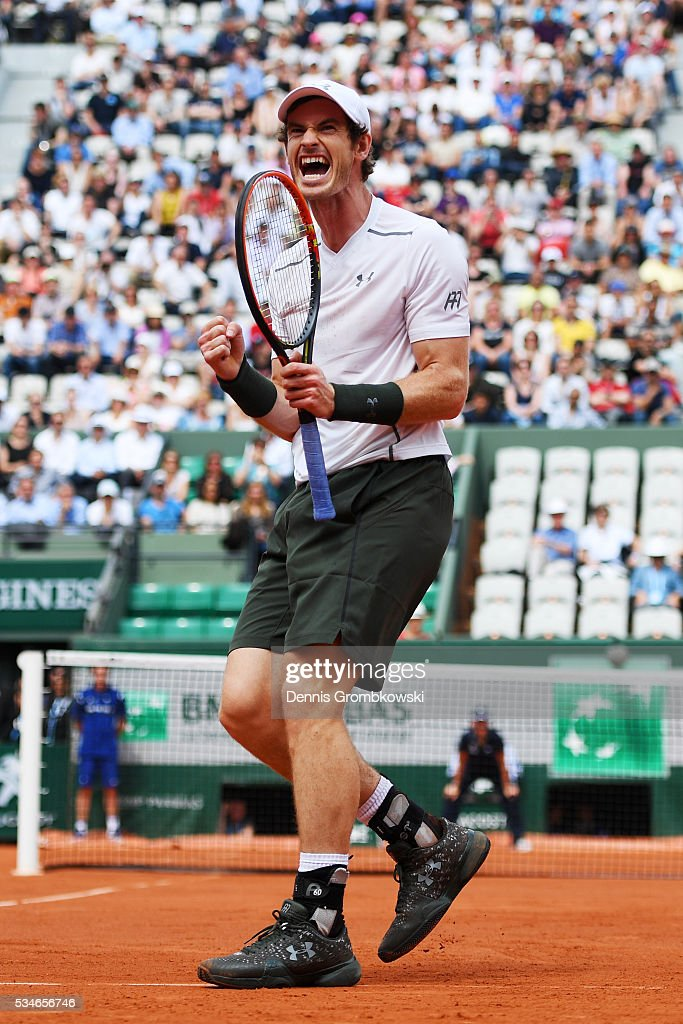 <a gi-track='captionPersonalityLinkClicked' href=/galleries/search?phrase=Andy+Murray+-+Tennisspelare&family=editorial&specificpeople=200668 ng-click='$event.stopPropagation()'>Andy Murray</a> of Great Britain celebrates victory during the Men's Singles third round match against Ivo Karlovic of Croatia on day six of the 2016 French Open at Roland Garros on May 27, 2016 in Paris, France.