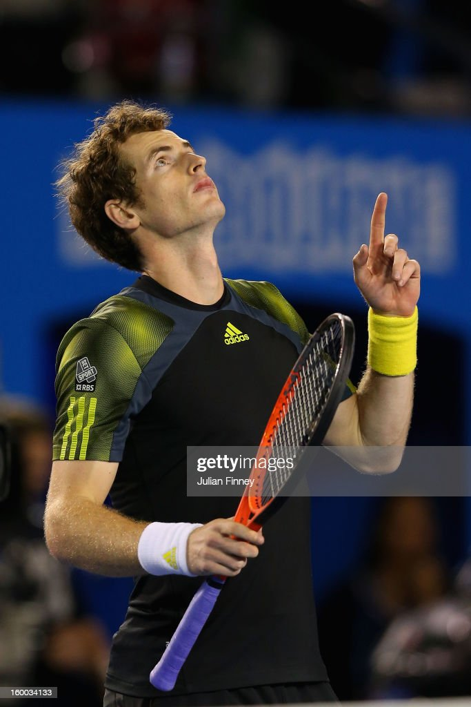 <a gi-track='captionPersonalityLinkClicked' href=/galleries/search?phrase=Andy+Murray+-+Jogador+de+t%C3%A9nis&family=editorial&specificpeople=200668 ng-click='$event.stopPropagation()'>Andy Murray</a> of Great Britain celebrates winning his semifinal match against Roger Federer of Switzerland during day twelve of the 2013 Australian Open at Melbourne Park on January 25, 2013 in Melbourne, Australia.