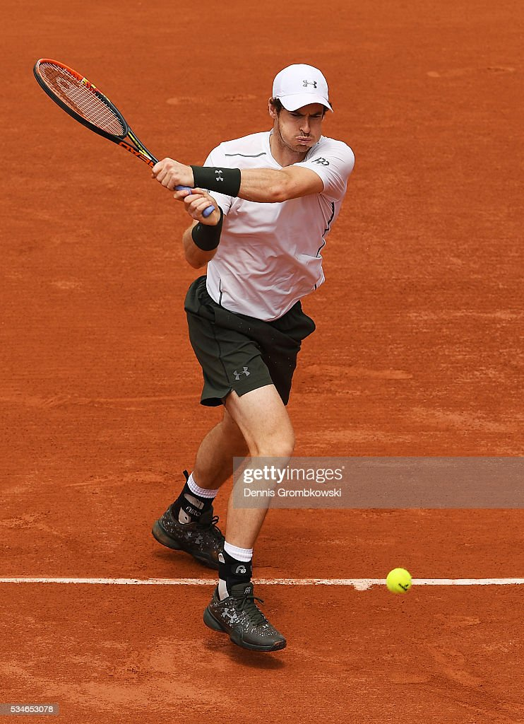 <a gi-track='captionPersonalityLinkClicked' href=/galleries/search?phrase=Andy+Murray+-+Tennis+Player&family=editorial&specificpeople=200668 ng-click='$event.stopPropagation()'>Andy Murray</a> of Great Britain hits a backhand during the Men's Singles third round match against Ivo Karlovic of Croatia on day six of the 2016 French Open at Roland Garros on May 27, 2016 in Paris, France.