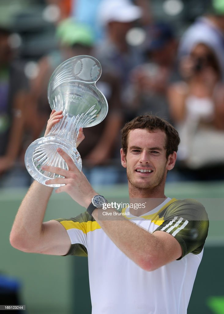 <a gi-track='captionPersonalityLinkClicked' href=/galleries/search?phrase=Andy+Murray+-+Tennis+Player&family=editorial&specificpeople=200668 ng-click='$event.stopPropagation()'>Andy Murray</a> of Great Britain holds aloft the trophy after his three set victory against David Ferrer of Spain during their final match at the Sony Open at Crandon Park Tennis Center on March 31, 2013 in Key Biscayne, Florida.