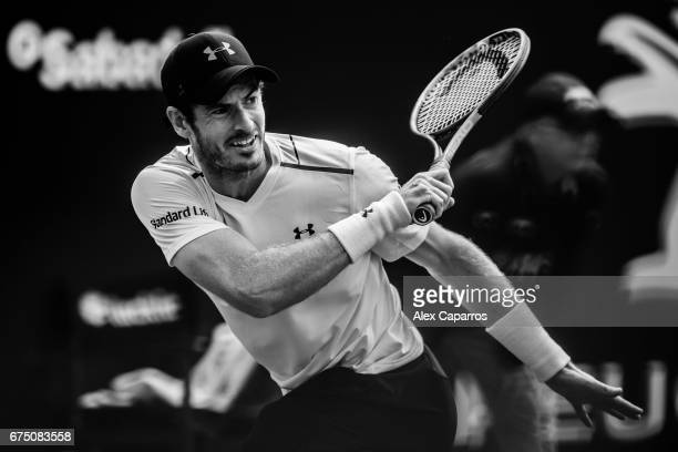 Andy Murray of Great Britain plays a forehand against Dominic Thiem of Austria in their semifinal match on day six of the Barcelona Open Banc...