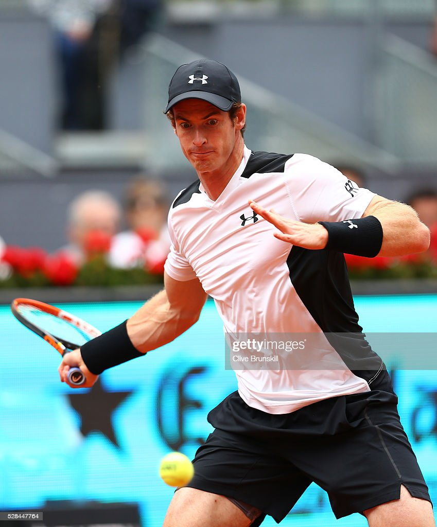 <a gi-track='captionPersonalityLinkClicked' href=/galleries/search?phrase=Andy+Murray+-+Tennisser&family=editorial&specificpeople=200668 ng-click='$event.stopPropagation()'>Andy Murray</a> of Great Britain plays a forehand against Gilles Simon of France in their third round match during day six of the Mutua Madrid Open tennis tournament at the Caja Magica on May 05, 2016 in Madrid,Spain