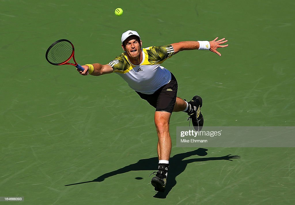 Andy Murray of Great Britain plays a match against Andreas Seppi of Italy during Day 9 of the Sony Open at Crandon Park Tennis Center on March 26, 2013 in Key Biscayne, Florida.