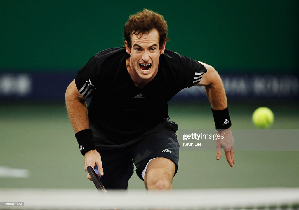 Andy Murray of Great Britain plays forehand during his match against Jerzy Janowicz of Poland during day 4 of the Shanghai Rolex Masters at Zi Zhong stadium on October 8, 2014 in Shanghai, China.