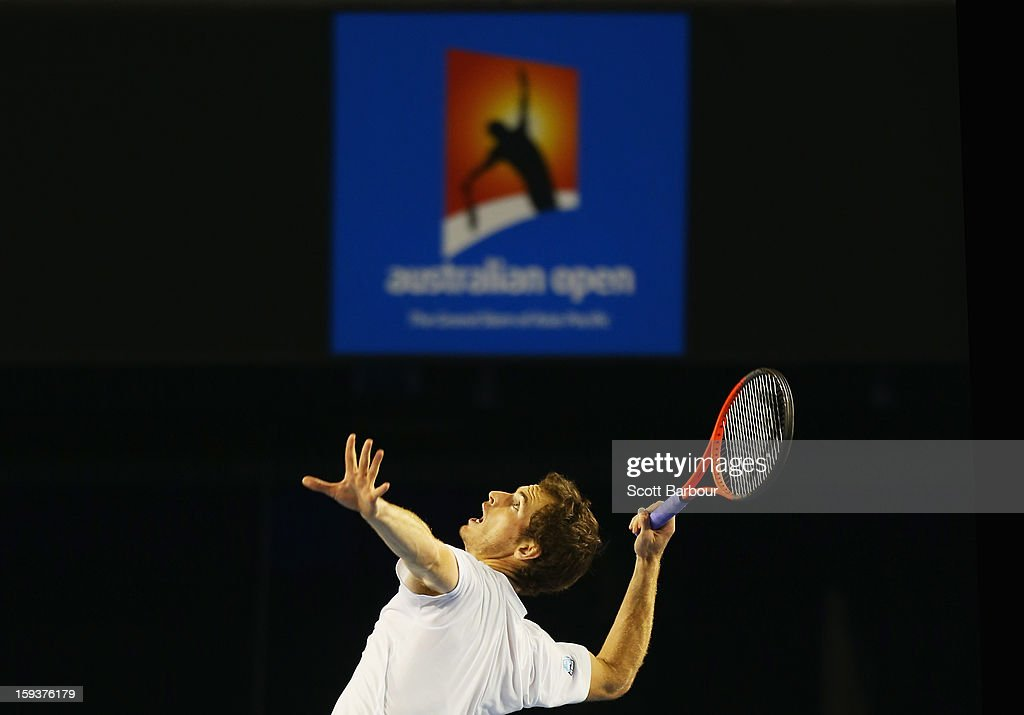 <a gi-track='captionPersonalityLinkClicked' href=/galleries/search?phrase=Andy+Murray+-+Tennisspelare&family=editorial&specificpeople=200668 ng-click='$event.stopPropagation()'>Andy Murray</a> of Great Britain serves during a practice session ahead of the 2013 Australian Open at Melbourne Park on January 13, 2013 in Melbourne, Australia.