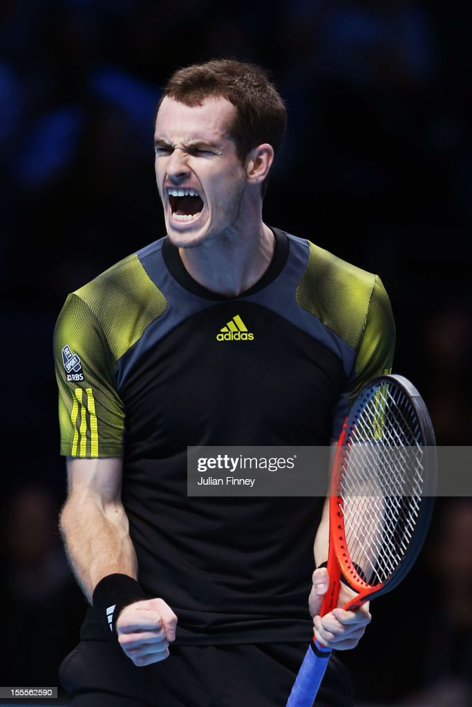 <a gi-track='captionPersonalityLinkClicked' href=/galleries/search?phrase=Andy+Murray+-+Jogador+de+t%C3%A9nis&family=editorial&specificpeople=200668 ng-click='$event.stopPropagation()'>Andy Murray</a> of Great Britaincelebrates his victory during the men's singles match against Tomas Berdych of Czech Republic on day one of the ATP World Tour Finals at the O2 Arena on November 5, 2012 in London, England.