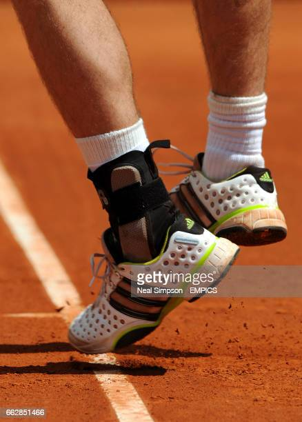 Andy Murray's sports an Ankle Brace during his match against Felciano Lopez