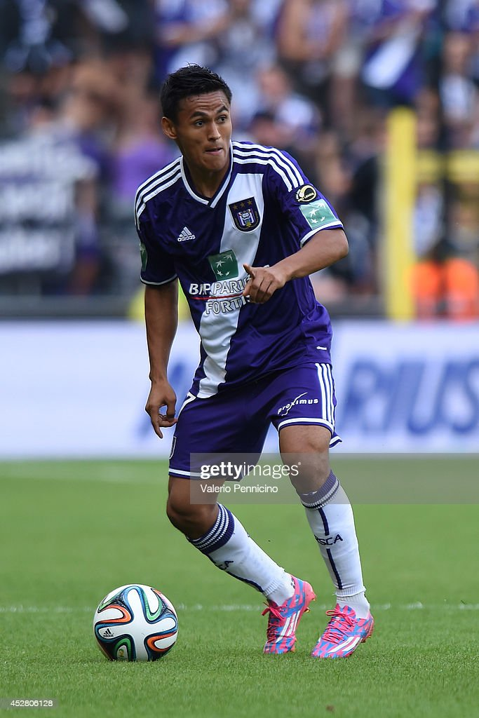 <a gi-track='captionPersonalityLinkClicked' href=/galleries/search?phrase=Andy+Najar&family=editorial&specificpeople=6872158 ng-click='$event.stopPropagation()'>Andy Najar</a> of RSC Anderlecht in action during the Jupiler Pro League match between RSC Anderlecht and Royal Mouscron Peruwelz at Constant Vanden Stock Stadium on July 27, 2014 in Brussels, Belgium.