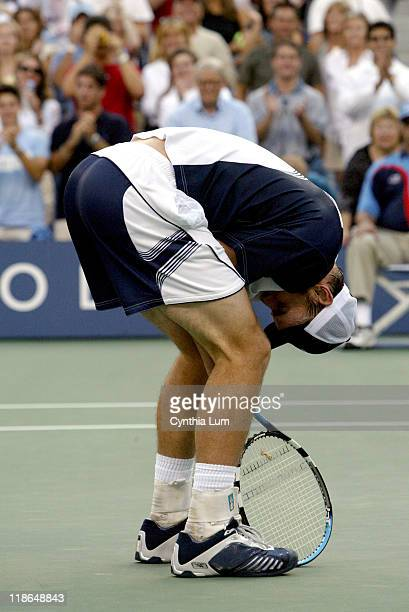 Andy Roddick wins US Open with a 3 set victory against Juan Carlos Ferrera 6/3 7/6 6/3