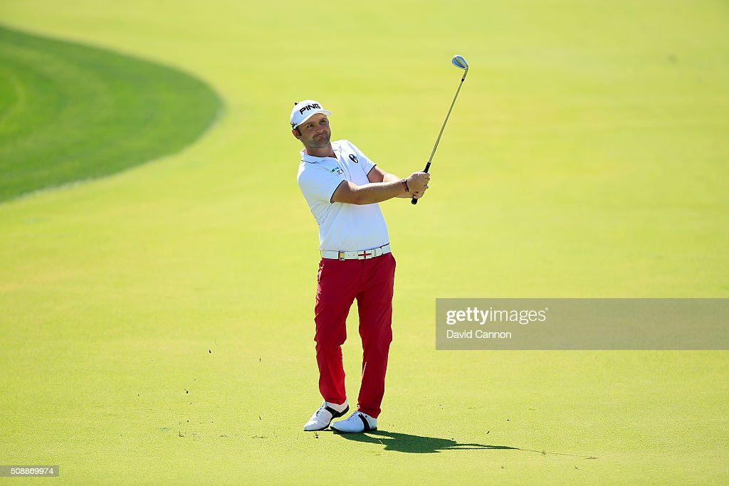 <a gi-track='captionPersonalityLinkClicked' href=/galleries/search?phrase=Andy+Sullivan+-+Golfer&family=editorial&specificpeople=13886721 ng-click='$event.stopPropagation()'>Andy Sullivan</a> of England plays his third shot at the par 4, first hole during the final round of the 2016 Omega Dubai Desert Classic on the Majlis Course at the Emirates Golf Club on February 7, 2016 in Dubai, United Arab Emirates.