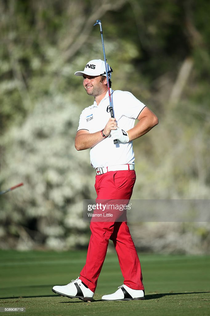 <a gi-track='captionPersonalityLinkClicked' href=/galleries/search?phrase=Andy+Sullivan+-+Golf&family=editorial&specificpeople=13886721 ng-click='$event.stopPropagation()'>Andy Sullivan</a> of England plays his third shot on the 18th hole during the final round of the Omega Dubai Desert Classic at the Emirates Golf Club on February 7, 2016 in Dubai, United Arab Emirates.